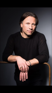 K. Järvi (c) Peter Adamik: Download